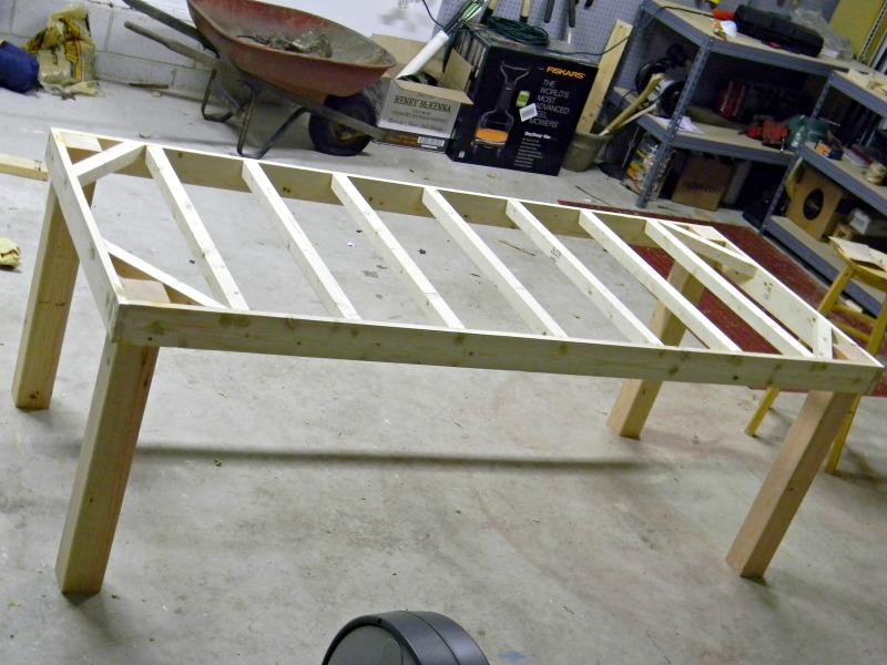 Build farmhouse table plans book diy pdf woodworking plans for Farm table woodworking plans